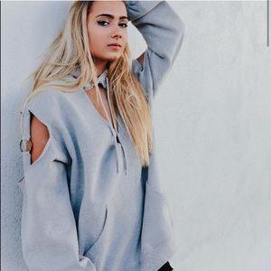 NWT🎈LF Oversized v-neck slit shoulders hoodie